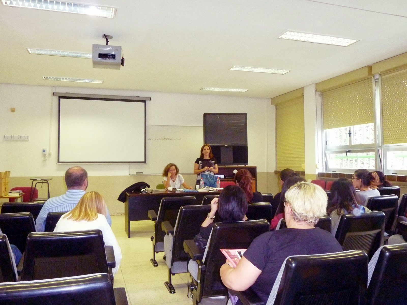 Isabel Cifuentes, Carmen Valcárcel, Máster en Literaturas Hispánicas, Universidad Autónoma de Madrid