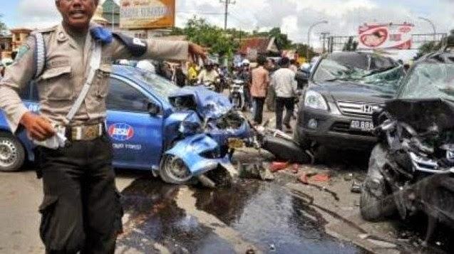 Ilustrasi Kecelakaan Puncak Cisarua Bogor