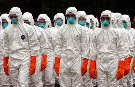 Médicos en una epidemia