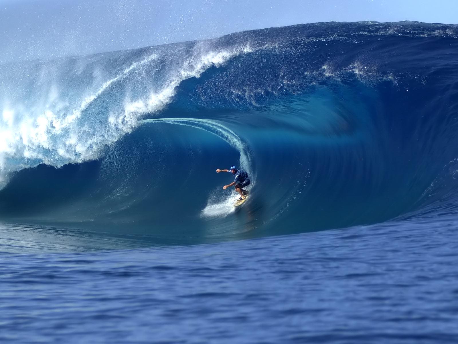 http://3.bp.blogspot.com/-VZs6RfVayHg/T2MKudNeSGI/AAAAAAAAAZ4/jIwwKku1iyI/s1600/Surfing_Hawaii.jpg