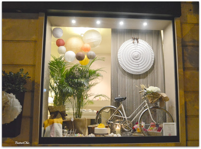 Vintage Picnic Storefront by BistrotChic