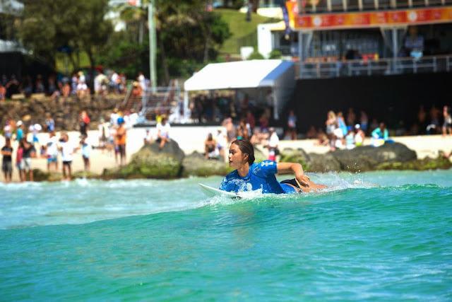 32 Roxy Pro Gold Coast 2015 Alessa Quizon Foto WSL Kelly Cestari