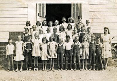 http://3.bp.blogspot.com/-V_0fMo3F-4o/URgXNsHOyeI/AAAAAAAAAGo/IoSZLCUB79o/s400/Campbell+Class+1947-8.jpg