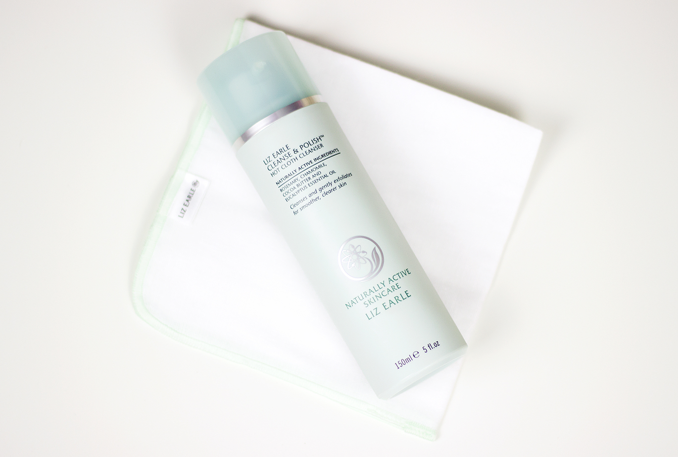 Liz Earle, Liz Earle Cleanse and Polish,  Liz Earle Cleanse and Polish Hot Cloth Cleanser, Liz Earle Cleanse and Polish Hot Cloth Cleanser blog review, Liz Earle Cleanse and Polish Hot Cloth Cleanser review