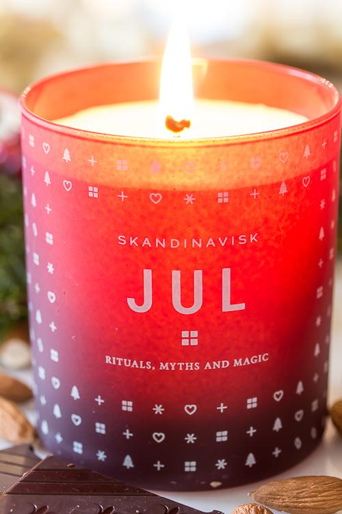 Amalie loves Denmark Duftkerze JUL von Skandinavisk