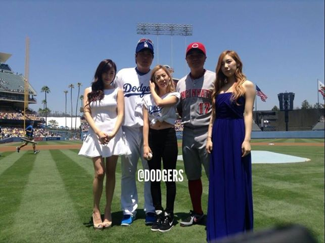 LA Dodgers, LA Dodgers Stadium, snsd, snsd sunny, SNSD Taeyeon, tiffany snsd
