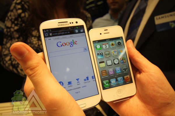 iphone vs Samsung galaxy S31