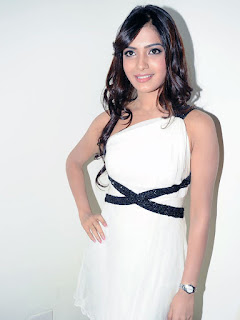 samantha hot pic in white top