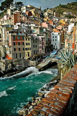 Riomaggiore, Liguria, Italy. Lugares preciosos para visitar.