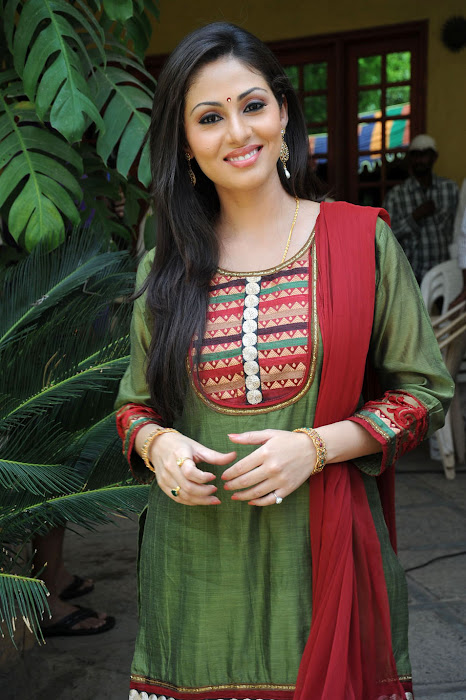 Sada in Classic Salwar Suit, Traditional Indian Salwar Punjabi Suit photo gallery