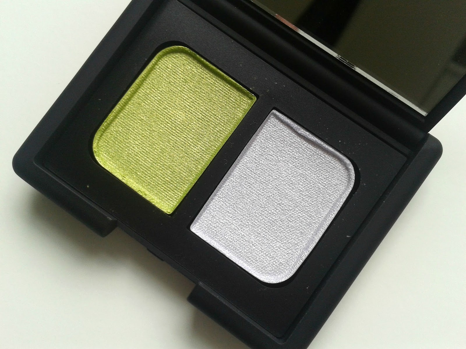 NARS Tropical Princess Eyeshadow Duo Beauty Review Swatch