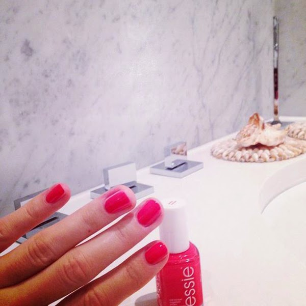 Marble Bathroom Essie Daiquiri Peach