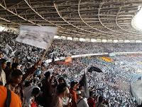 Gelar Rapat dan Pawai Akbar, Ratusan Ribu Massa HTI Penuhi GBK