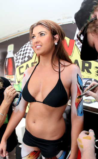 PIT BABES MONTREAL 2011: Grid Girls and Brolly Dollies