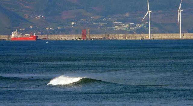 la triangu triangular sopelana surfing