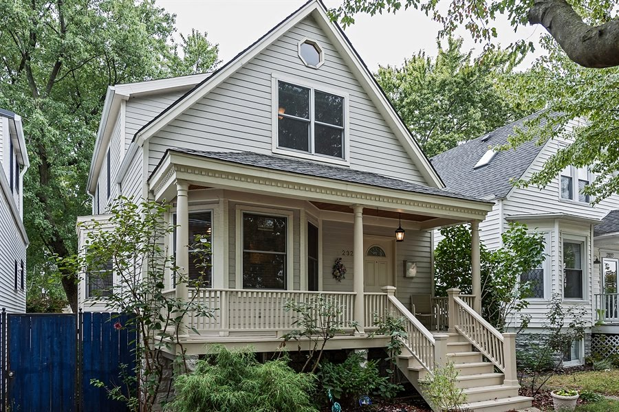 SOLD! Lincoln Square single family home $605K