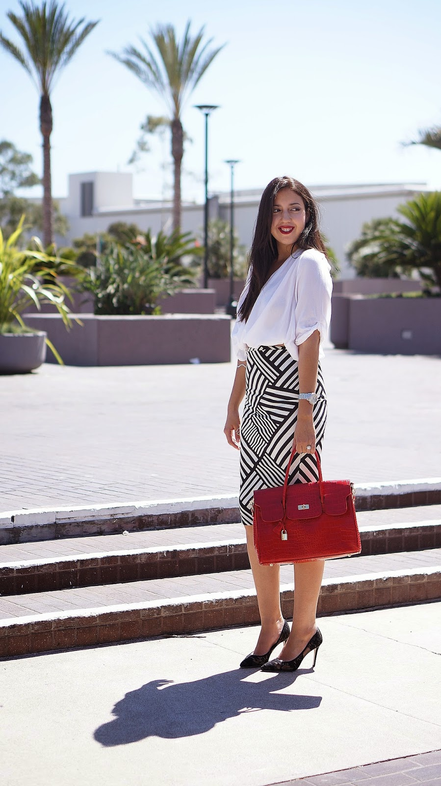 Kardashian Kollection chevron pencil skirt, Fashion blogger, Lace heels, Spring Style, Shoemint black heels