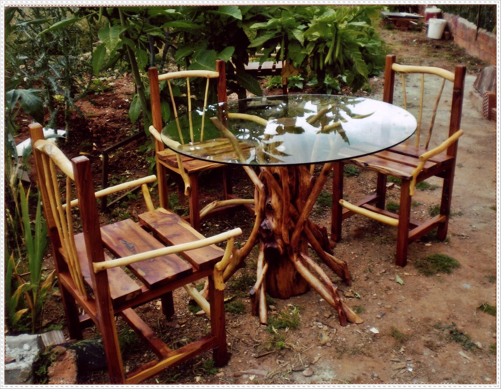 Desabina mesa y sillas for Muebles artesania