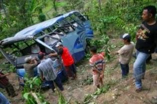 bus jatuh