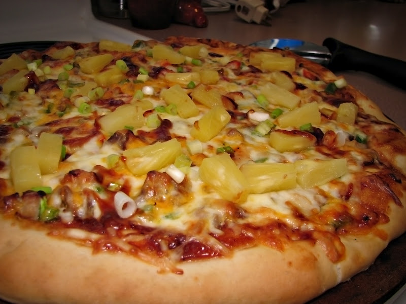 Going's on at the Glenn's: BBQ Chicken Pizza