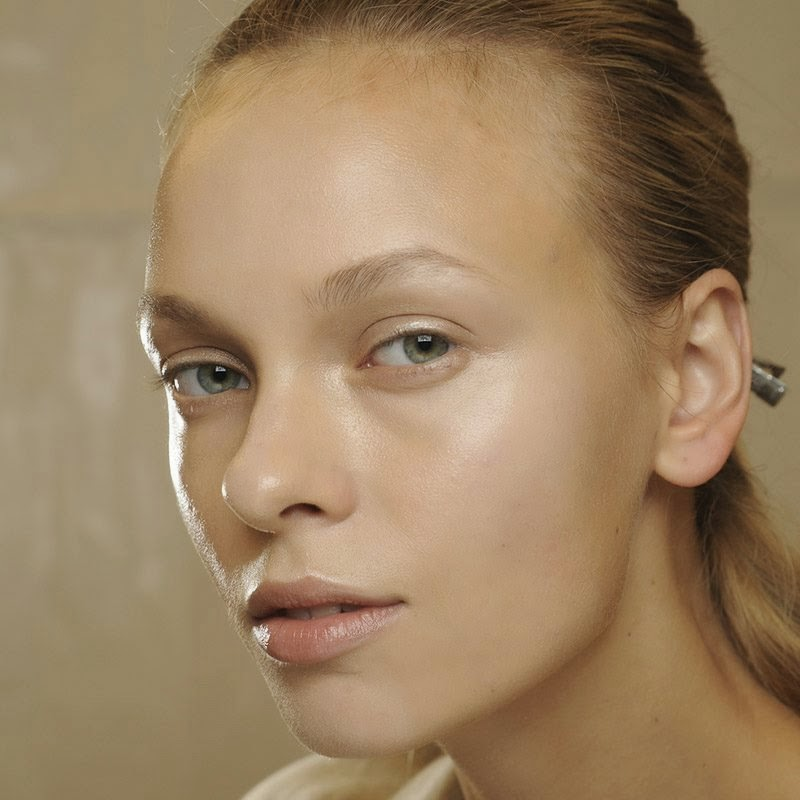 Lipstick in London: MAC Cosmetics Make-up Trends