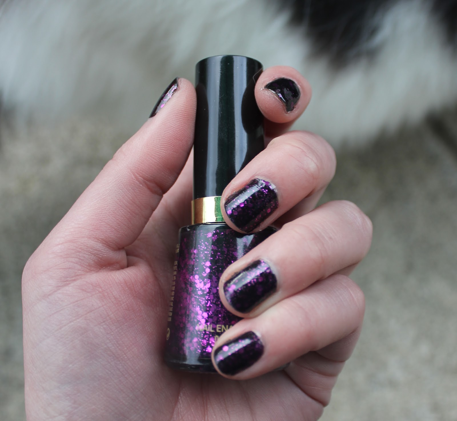 Review: Revlon Nail Polish in 761 Scandalous | KITSCH/SNITCH
