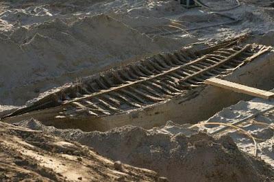 Operários descobrem navios de vários séculos enterrados na Estônia