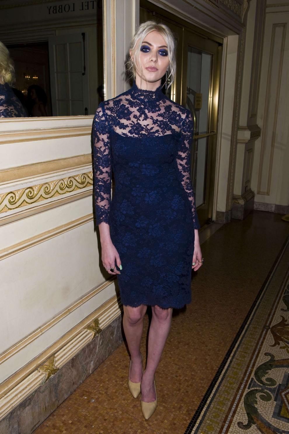 Taylor Momsen gets leggy in a classy semi transparent dress Taylor Momsen