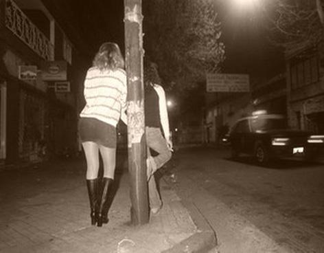 prostitutas en reus sinonimos de ilegal
