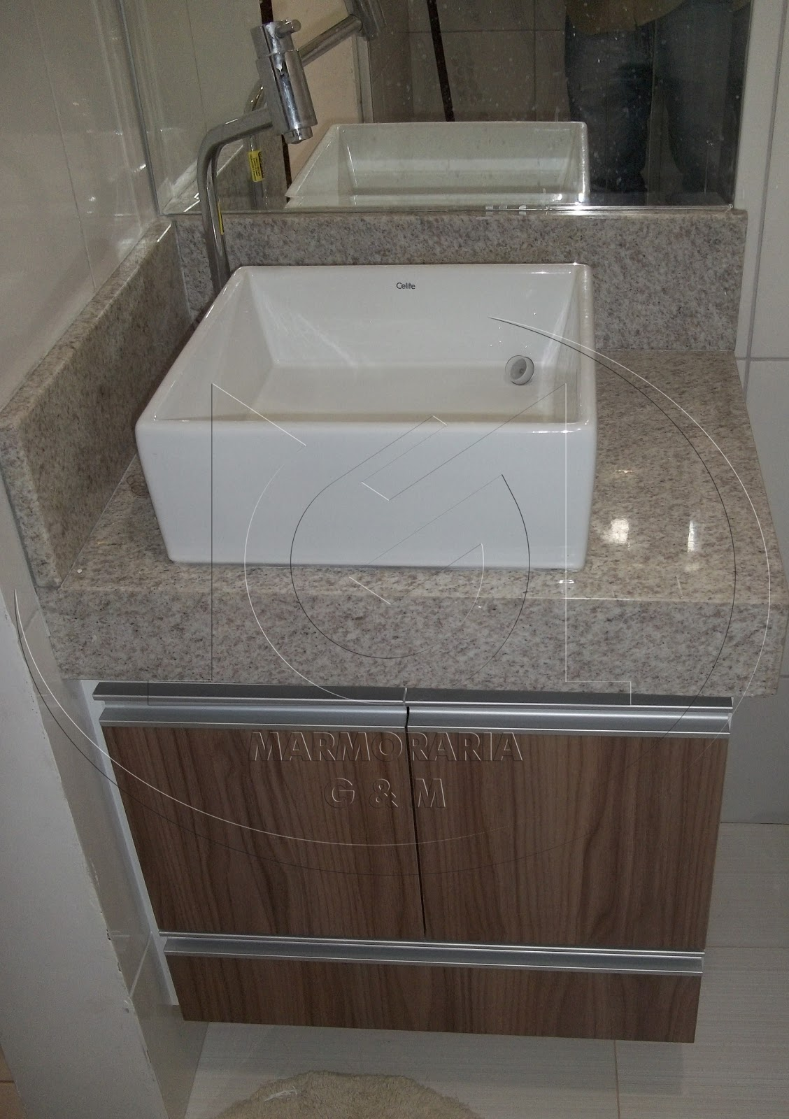 Lavatório em Granito Branco Siena Marmoraria Goiás e Minas #3F352E 1128x1600 Banheiro Com Granito Branco Siena