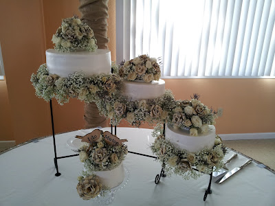 www.TheOtherEndOfTheCandle.com Wedding Cake with Paper Flowers for 125 guests for less than $100