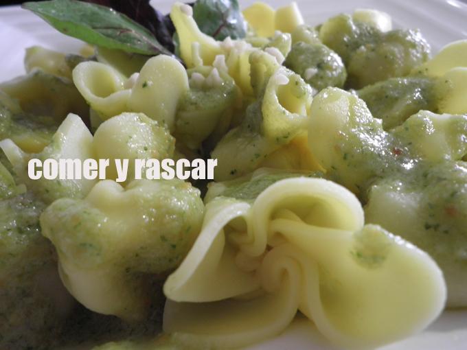 Comer y Rascar: Fagottini al pesto de almendras