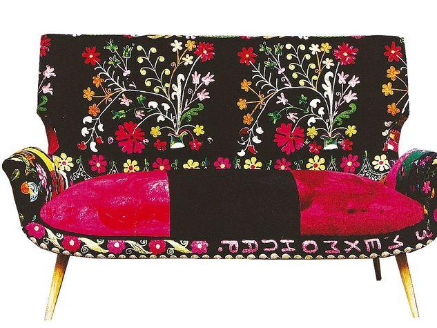 Un arredamento floreale architettura e design a roma for Prezzi per rivestire un divano