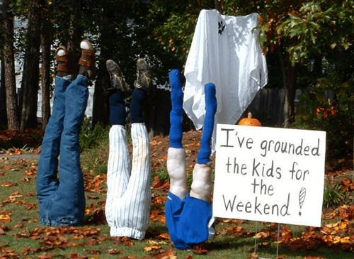 Pumpkin Carving Ideas for Halloween 2017: Halloween Yard - Odd Halloween Decorations