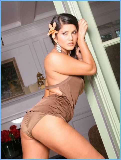 Sunny Leone Back Site Full Sey Images