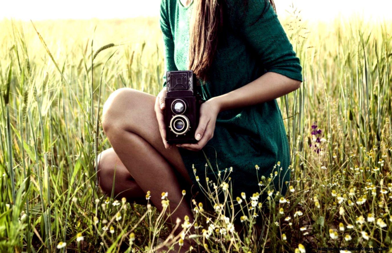 Mood Girl Camera Meadow Hd Wallpaper  Best Desktop Wallpapers
