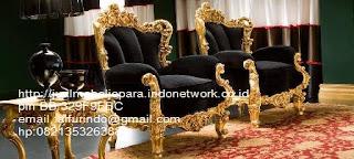 sofa classic eropa,sofa klasik ukiran jepara,sofa klasik jepara Mebel furniture klasik jepara jual set sofa tamu ukir sofa tamu jati sofa tamu antik sofa jepara sofa tamu duco jepara furniture jati klasik jepara SFTM-33078