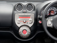 Nissan Micra 2012 interieur