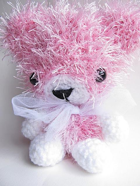 Amigurumi Eyelashes : {Amigurumi Leah the Bear} - Little Things Blogged