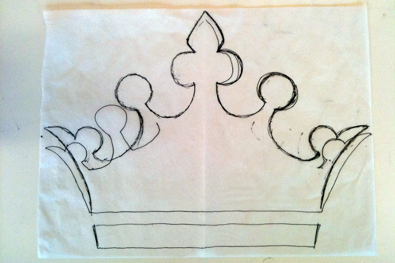 Navyblueshoe friday arts crafts pillow coronation for Art and craft crown