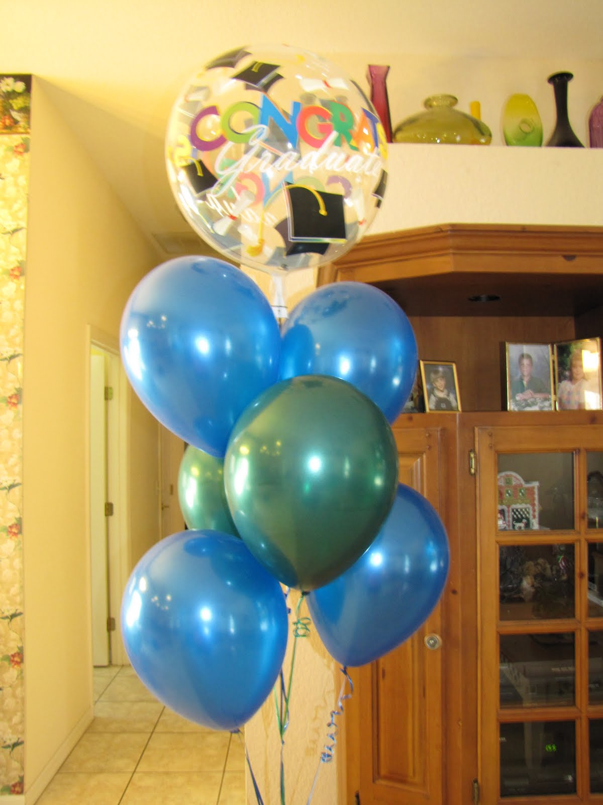 Party people event decorating company graduation party for Balloon decoration companies