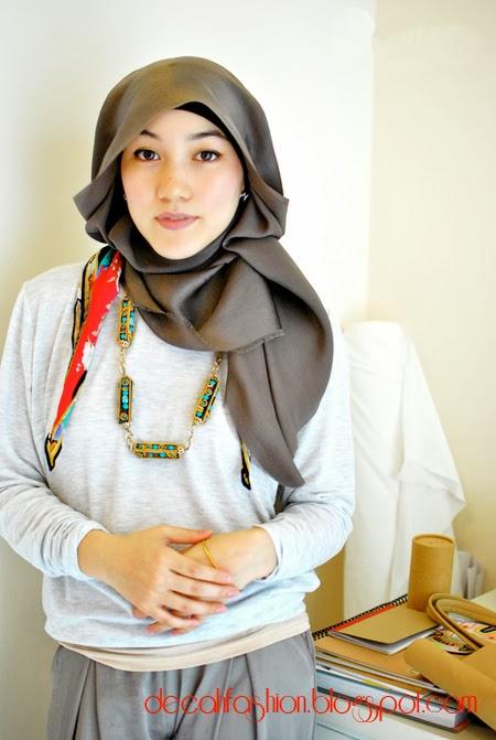 Jilbab ala Hana Tajima Boyish Chic