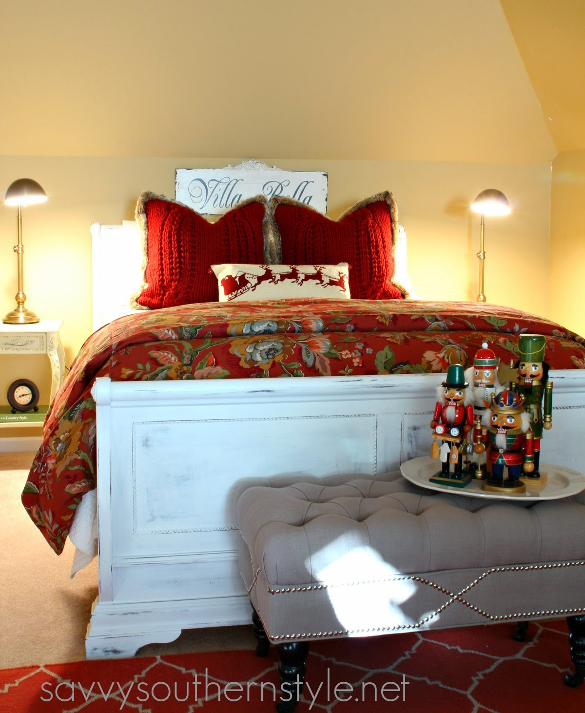 Savvy southern style traditional red and green guestroom for Southern style bedroom
