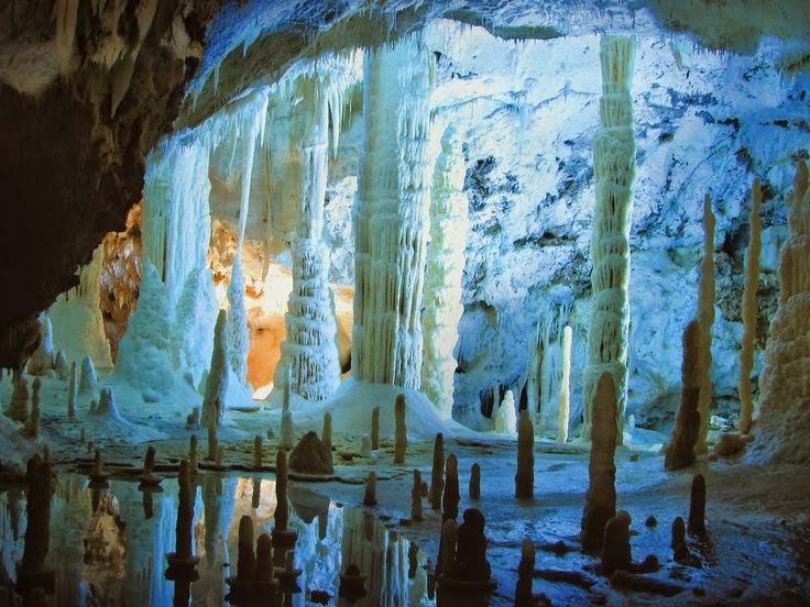 Grotte di Frasassi  (Ancona)