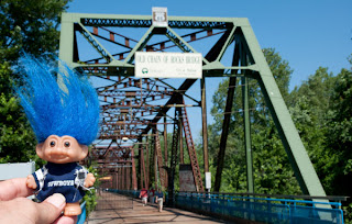 Route 66, troll on Chain of Rocks Bridge