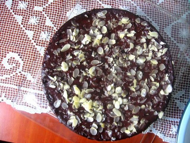 veganza; wegański tort czekoladowy; wegański tort; łatwy tort; wegańskie słodycze; wegańskie casto; weganizm; vegan