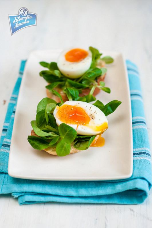 Grzanki z roszponką i jajkiem