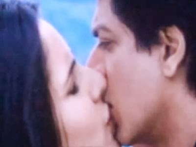 Katrina Kaif Again Kissed Shahrukh Khan Photos In HQ