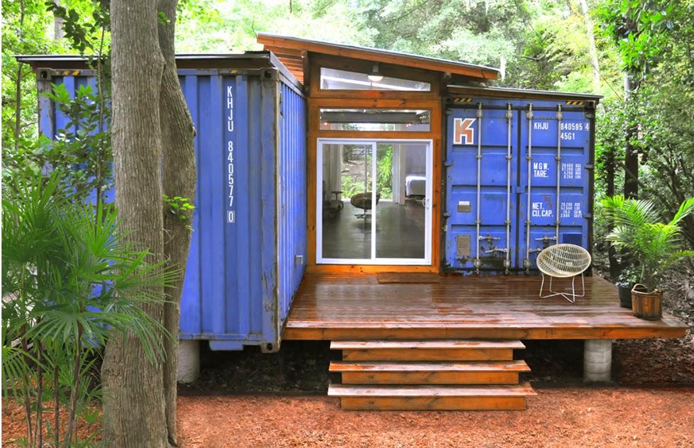 Riktigt trevligt container bygge. Så här skulle jag kunna tänka mig att bo!