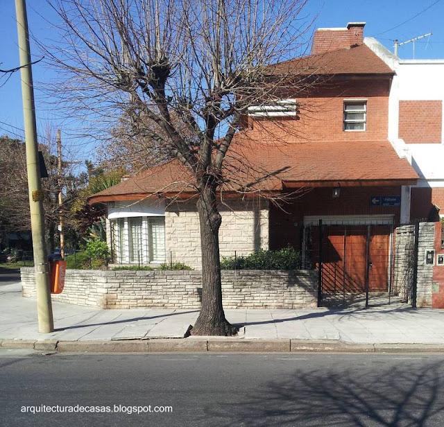 Perfil de una casa chalet tipo californiano